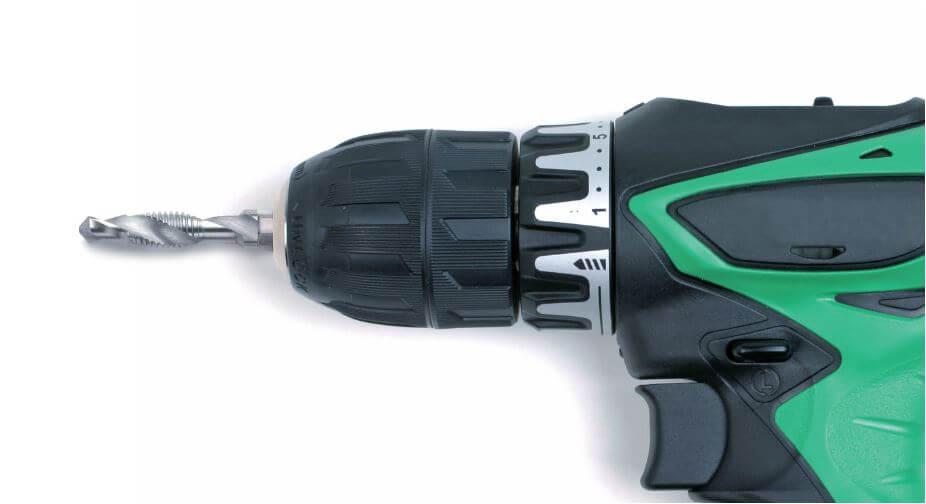 Kombi-Gewindebohrerbits (Kernlochbohren, Gewindeschneiden und Entgraten) mit Akkuschrauber