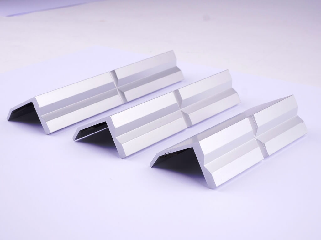 GSR Schonbacken aus Aluminium mit nur einem Prismenprofil in den Größen: 100 mm, 125 mm und 150 mm
