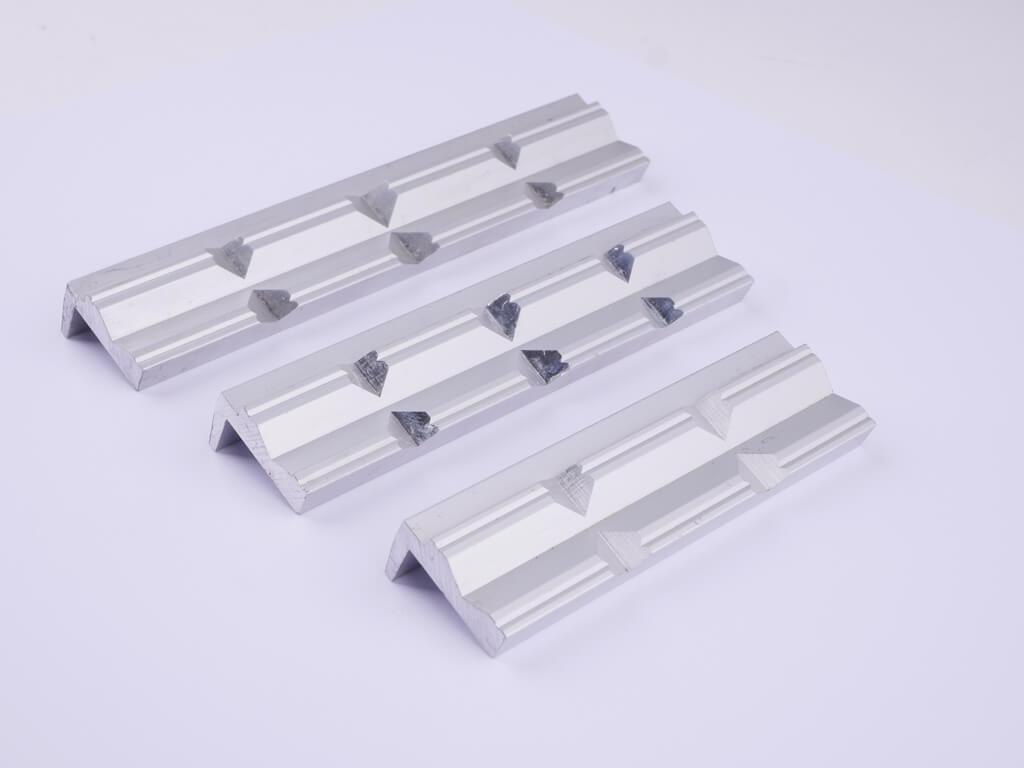 GSR Schonbacken aus Aluminium mit Prismenprofil und 90 Grad Absatz in den Größen: 100 mm, 125 mm und 150 mm