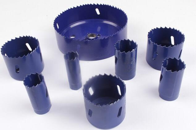 Lochsägen Sortiment mit verschiedenen Größen zum Bohren von Durchgangslöchern in Materialien wie Holz, Kunstoff, Gipskartonplatten und Bleche (bis max. 3 mm)